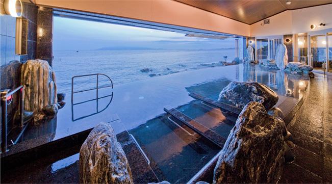 12m引込み窓の天海の湯