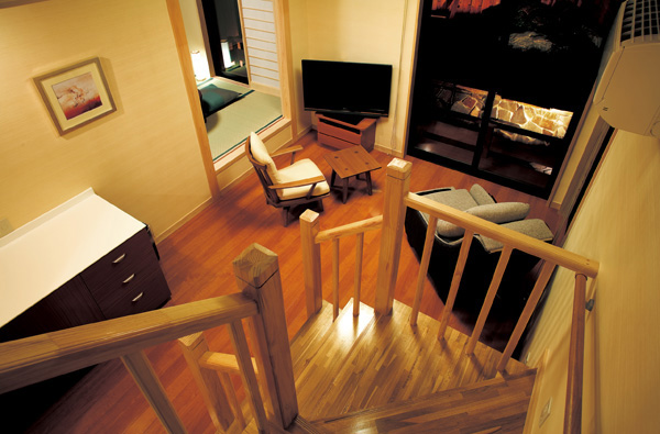 2階建ての離れ客室のリビング